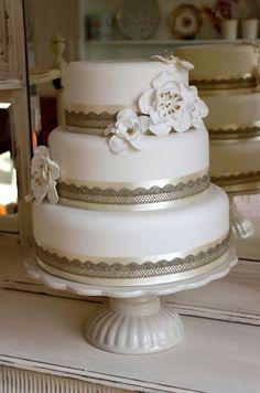 Wedding Cakes  :     Picture    Description  ~ we ❤ this!  moncheribridals.com ~ #WeddingCake    - #Cake https://weddinglande.com/planning/cake/wedding-cakes-we-%e2%9d%a4-this-moncheribridals-com-weddingcake-146/