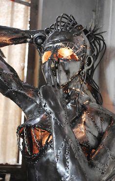 Metal Sculpture Artists, Steel Sculpture, Sculptures, Sheet Metal Art, Scrap Metal Art, Metal Art Projects, Metal Crafts, Welding Projects, Heavy Metal Art