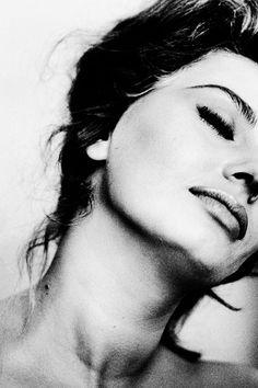 msmildred:  Sophia Loren photographed byAlfred Eisenstaedt, 1961.