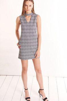 خرید اینترنتی : کت دامن , بلوز , کت شلوار , پیراهن مجلسی | فروشگاه اینترنتی لباس زنانه