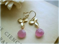 Orchid earrings  Soft Pink glass briolettes16k by GBILOBA on Etsy, €12.50