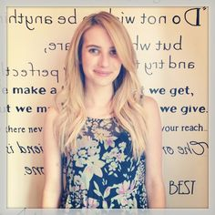 Emma Roberts goes blond and gets long extensions!#emmaroberts#celebrityhair