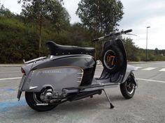 grey, black & ochre details... outstanding Li 150 Special!