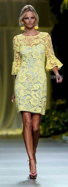 Yellow lace dress I need this Yellow Lace, Yellow Dress, Look Fashion, Womens Fashion, Fashion Design, Fashion Styles, Latest Fashion, Fashion Ideas, Dress Skirt