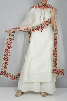 13 Ultra Cool Dupatta Design Ideas To Try Now Pakistani Dresses Casual, Indian Fashion Dresses, Dress Indian Style, Pakistani Dress Design, Indian Outfits, Punjabi Fashion, Stylish Dresses For Girls, Stylish Dress Designs, Designs For Dresses