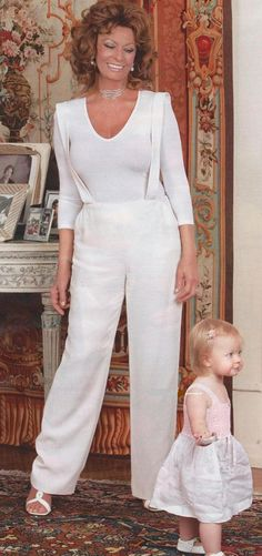 Sophia Loren w/Grand-daughter