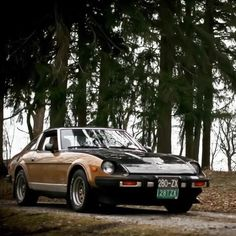 Another 280ZX post from us today brought to you by @80_280. Mostly all original 1980 280ZX with #americanracingwheels. #datsun #280zx #s130 #bonestock #datsungarage #blackandgold #jdm #nissan