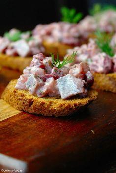 Haringsalade met biet en zure room - Lovemyfood.nl