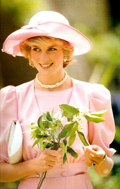 April 30, 1985: Diana, Princess of Wales at a citrus farm in Catania, Sicily during the Royal Tour of Italy.