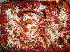 Pasta shells are a fun option on pasta night! Stuffed Pasta Shells, Ricotta, Delicious Food, Cabbage, Vegetables, Night, Yummy Food, Cabbages, Vegetable Recipes