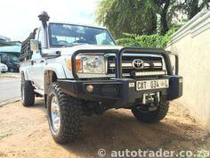 TOYOTA LANDCRUISER LX 4.5 V8 Diesel Pick - Up Single