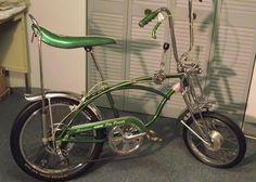 Vintage Bicycles For Sale, Vintage Bicycle Art, Vintage Bikes, Bmx Bicycle, Bicycle Girl, Schwinn Bikes, Bicycle Cake, Banana Seat Bike, Bicycle Painting