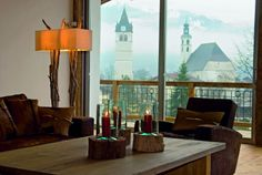 Hotel Kitzhof Mountain Design Resort is an elegant retreat just minutes away from the center of Kitzbühel. Experience contemporary design and tempting cuisine! Mountain Decor, Mountain Designs, Interior Design Living Room, Living Room Designs, African Interior Design, African Design, Hotel Austria, Living Room Images, Living Rooms