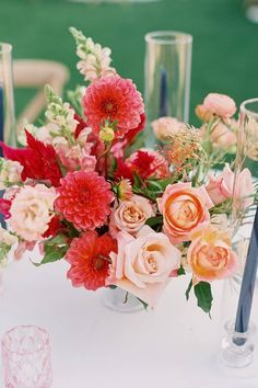 You're bound to blush with excitement after seeing this arrangement of pretty blooms infused with the perfect shades of pink. 💐 | Photography: @dearloversphoto #stylemepretty #weddingflowers #weddingbouquet #floralarrangement #weddingflorals Floral Wedding, Wedding Bouquets, Wedding Flowers, Floral Centerpieces, Floral Arrangements, Wedding Photography Poses, Pink Photography, Wedding Flower Inspiration, Coral