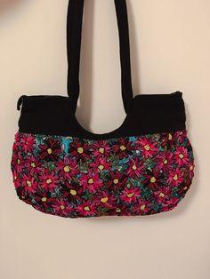 Ein persönlicher Favorit aus meinem Etsy-Shop https://www.etsy.com/de/listing/275467638/mexikanische-handgemacht-handtasche