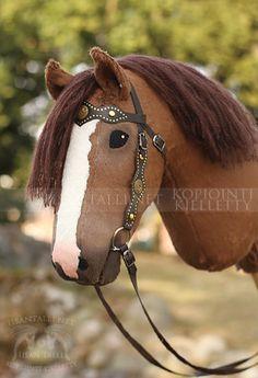 Custom made Hobby Horse in Western Snaffle Bridle Horse Bridle, Horse Stables, Breyer Horses, Western Bridles, Stick Horses, Horse Crafts, Hobby Horse, Horse World, Balloon Animals