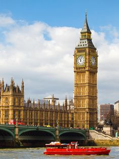 Big Ben overlooking The River Thames, London