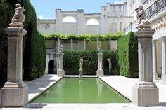 A escasos metros de donde se ubica el @CarmenBlancoFRA se encuentra la @alhambracultura #museumweek #architectureMW