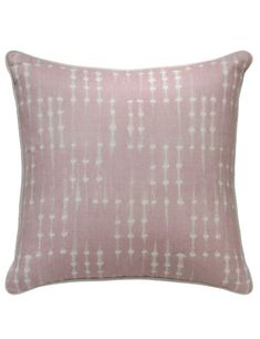 Coco Pink Cushion An ethnic tie dye design cushion in light dusty pink with complementary neutral piping / Un diseño étnico de tinte en rosa claro con un vivo complementaria neutro.