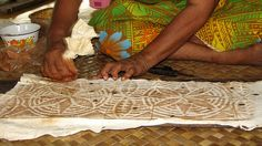 Tapa making #tapaliving #samoa #tapa