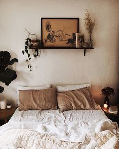 tiny bedroom // neutral palette