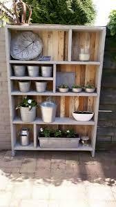 Afbeeldingsresultaat voor hoe maak ik een tuinkast van pallet hout