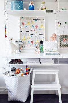 kids room : Beautiful workspace for kids. String shelves.