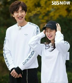 Song Ji Hyo and Lee Kwang Soo, Running Man ep. 325. © SBSNOW Running Man Korean, Ji Hyo Running Man, Korean Variety Shows, Korean Shows, Korean Celebrities, Korean Actors, Ji Hyo Song, Lee Kwangsoo, Running Man Members