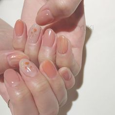 Semi-permanent varnish, false nails, patches: which manicure to choose? - My Nails Manicure Gel, Gel Manicure Designs, Nail Art Designs, Design Art, Gel Pedicure, Cute Acrylic Nails, Cute Nails, Glitter Nails, Hair And Nails