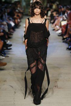 Givenchy Printemps 2016 Prêt-à-Porter Collection Photos - Vogue