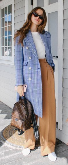 Valeria Lipovetsky - Plaid coat outfits