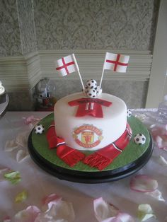 The Groom is from England and is a big Manchester United fan. This was a surprise from the brides mother.  August 2010     Amazon has some great best-selling beauty products.    Visit:  http://amazonamazingblog.wordpress.com/2012/06/20/amazing-amazon-beauty-products-must-buy-2/