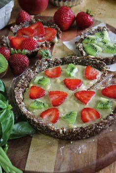 This Rawsome Vegan Life: fruit tartlets with vanilla cashew cream