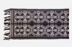 Table Runner Black a