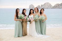 Cabo San Lucas Beach Wedding - http://fabyoubliss.com/2015/07/28/mint-and-gold-cabo-san-lucas-beach-wedding