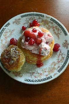 Vol-au-vent aux fruits rouges Vol Au Vent, Artisan Boulanger, Sauce Tartare, Pudding Recipes, Puddings, Pancakes, Breakfast, Desserts, Food
