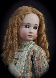 Branka Scharli Victorian Dolls, Antique Dolls, Vintage Dolls, Pretty Dolls, Beautiful Dolls, Doll Wigs, Doll Costume, Bisque Doll, Old Dolls