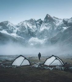 RV And Camping. Great Camping Advice That Will Make The Trip Much Easier. Taking time out to appreciate nature is a great way to spend time with your family or just with yourself. Camping Life, Camping Hacks, Camping Ideas, Camping Sauvage, Trekking, Destinations, Wanderlust, Outdoor Camping, Camping Outdoors