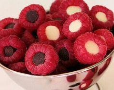 Raspberries stuffed with chocolate chips