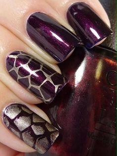 nails / nailart / nail polish / plum / dark purple / dark red/ eggshells / glitter gold