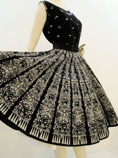 Mexican Skirt Set Vintage 50s Black Velvet and Sequins Circle Skirt and Top M