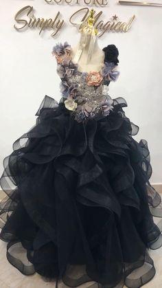 Fancy Sarees Party Wear, Kids Party Wear Dresses, Dresses Kids Girl, Flower Girl Dresses, Stylish Dress Designs, Stylish Dresses, Toddler Dress Patterns, 1st Birthday Dresses, Fairytale Gown