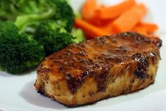 Sweet and Spicy Glazed Tuna Steaks 3 cloves garlic, minced 1 Tbsp ginger, minced cup homemade teriyaki sauce cup toasted sesame oil OR olive oil tsp red pepper flakes tsp sea salt f… Fresh Tuna Recipes, Fish Recipes, Seafood Recipes, Cooking Recipes, Recipes For Tuna Steaks, Pork Recipes, Paleo Recipes, Baked Tuna Steaks, Tuna