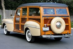 1947 Mercury 4-Door Station Wagon Hot Rod Trucks, New Trucks, Station Wagon Cars, Willys Wagon, Wooden Wagon, Surfing Pictures, Vintage Surf, Car Ford, Old Cars