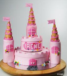 Recipe: Princess castle cake. Birthday cake in pink fondant