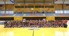 Balonmano | El Zuazo presenta a sus 200 jugadores y rinde homenaje al Barakaldo CF
