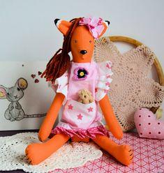 Lisek - słodka dama - Michalina - 40 cm #fox #tilda #tildatoy #toy #sewing #sew #girl #kidstyle Tilda Toy, Decoupage, Dinosaur Stuffed Animal, Babe, Toys, Pink, Animals, Sewing, Rose