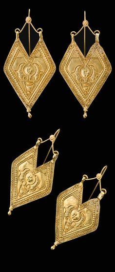 India | Pandi earrings; 22k gold | Gujarat Saurashtra | 1st half of the 20th century | 1'600€ ~ sold