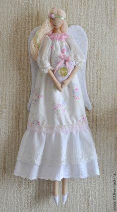 """Купить Ангел """"Хранит любовь"""" (по мотивам) - бледно-розовый, ангел, ангелок, семейный оберег"""