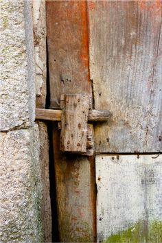 Taramelo - Sistema tradicional para fecho de portas.